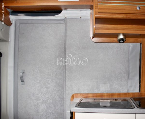 Cortina térmica para puerta corredera Ducato con puerta mosquitera 1